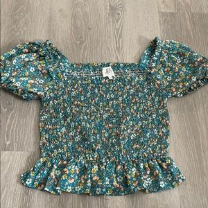 Floral print smocked ruffled blouse